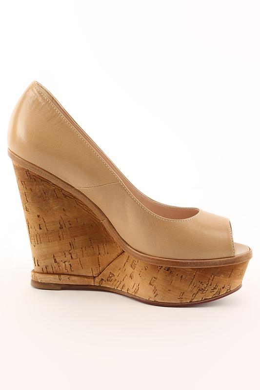 Кожаные туфли женские Giorgio Fabiani G 4154 бежевого цвета на пробковой танкетке. . Купить Giorgio Fabiani обувь из
