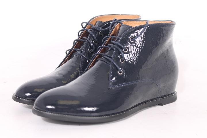 Весенние ботинки лаковые фото